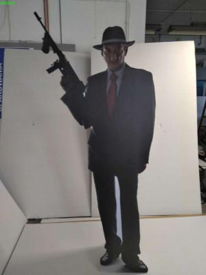 postać z kartonu mafiozo