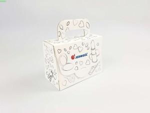 pudełko z nadrukiem